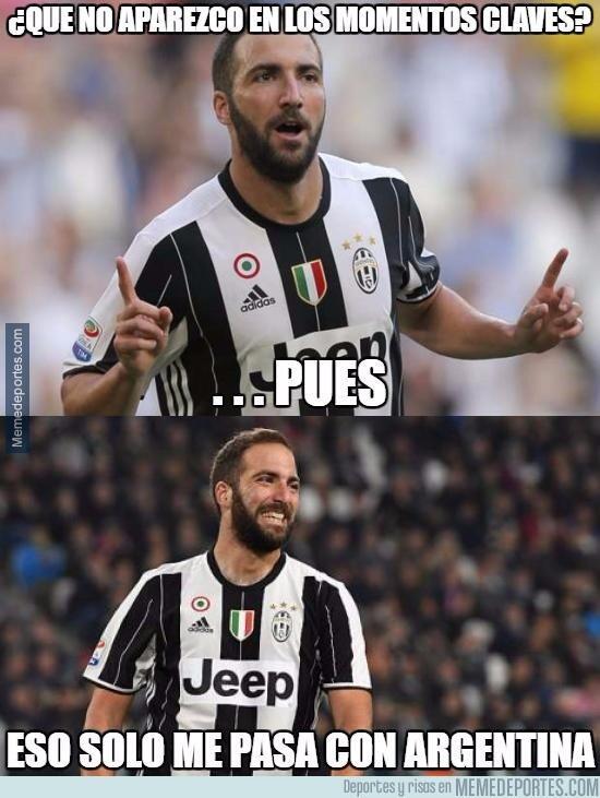 Higuaín fue la figura del partido y de los memes por la semifinal de Cha...