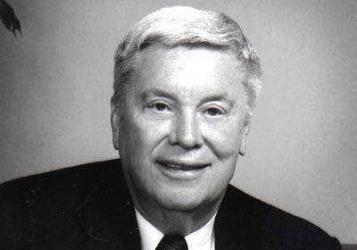 KENTUCKY.  El fundador de Public Storage, Bradley Hughes, tiene una fort...