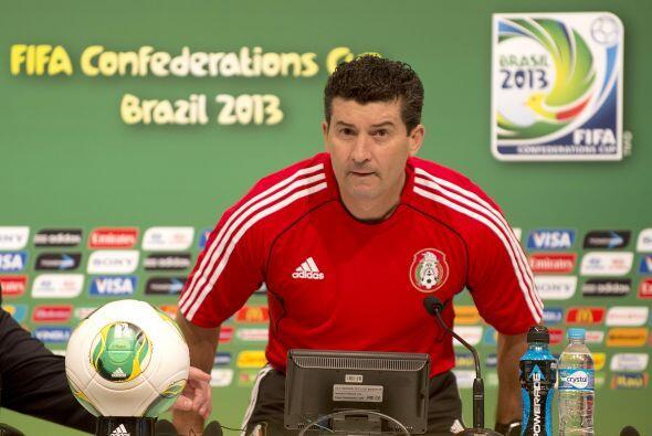 Su carrera como director técnico inició siendo auxiliar de entrenadores...