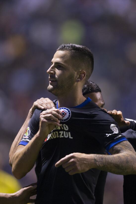 Cruz Azul venció a Puebla 2-0 en Copa MX 20180207-2302.jpg