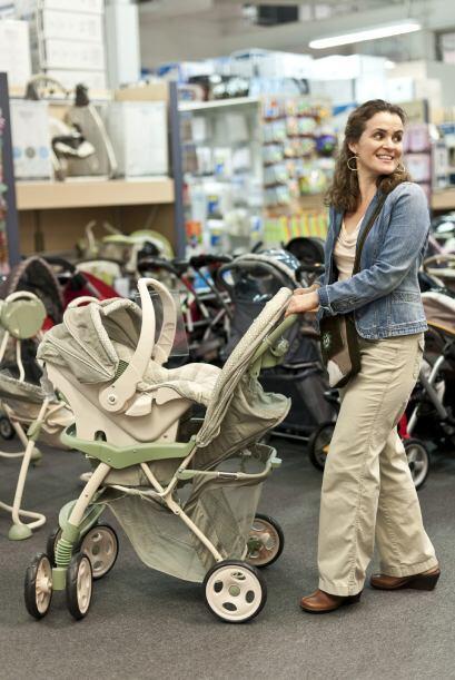 Extras. Existen cochecitos diseñados para que el bebé te mire a ti cuand...