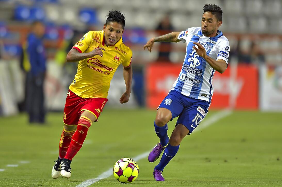 Pachuca y Morelia empatan con pocas emociones Raul Ruidiaz de Morelia y...