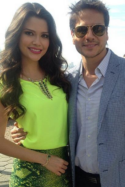 """""""Con @DanArenas en @DespiertaAmerica desde #NuevaYork"""", compartió Ana. (..."""