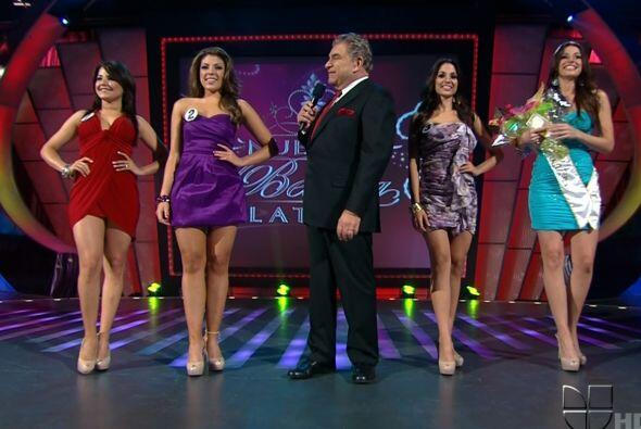 Al final el Don las hizo bailar al  ritmo de Miss Colita