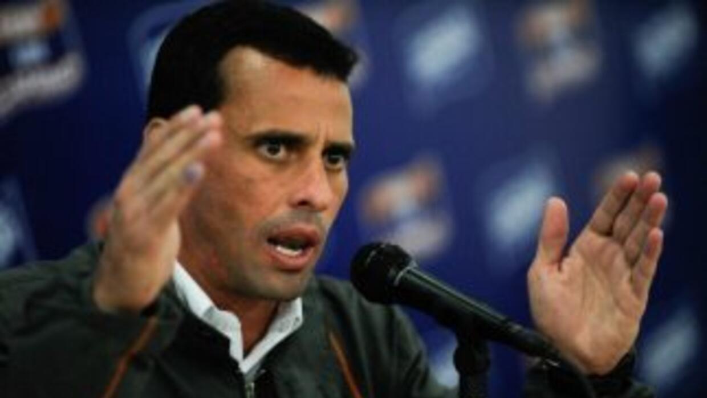 """Capriles calificó de """"miedo del oficialismo"""" la difusión por radio y tel..."""