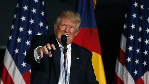 El candidato presidencial republicano Donald Trump habla en un acto de c...