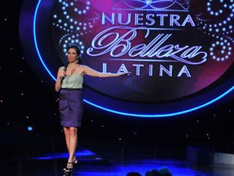 Durante la primera hora del programa Nuestra Belleza Latina, Giselle luc...