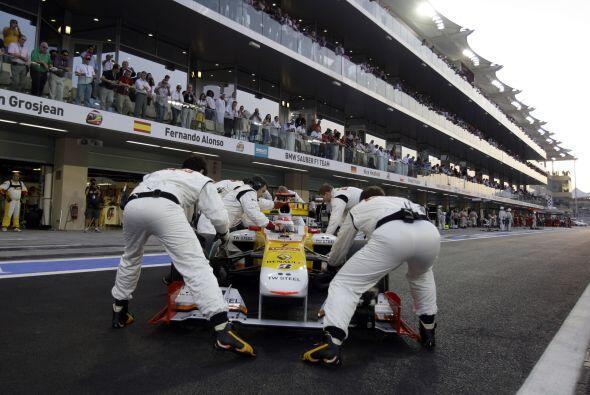 Debido a la crisis económica mundial, Renault apenas trabajó para mejora...