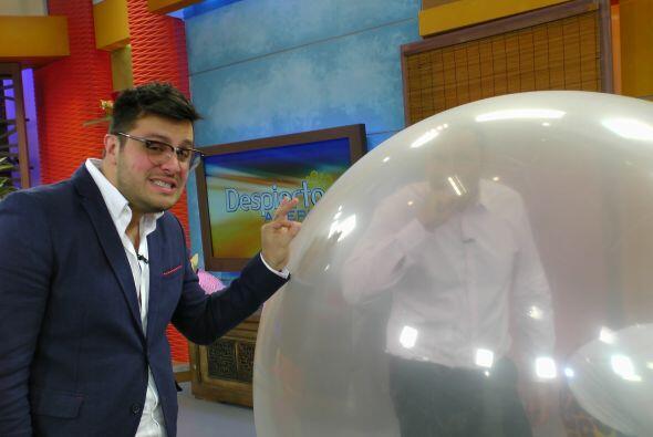 Paul Stanley llegó dispuesto a hacer una travesura con esa burbuja gigan...