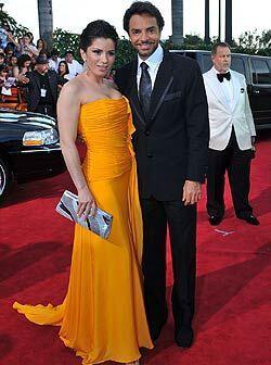 La primera pareja en llegar fue Eugenio Derbez y Alessandra Rosaldo, sin...