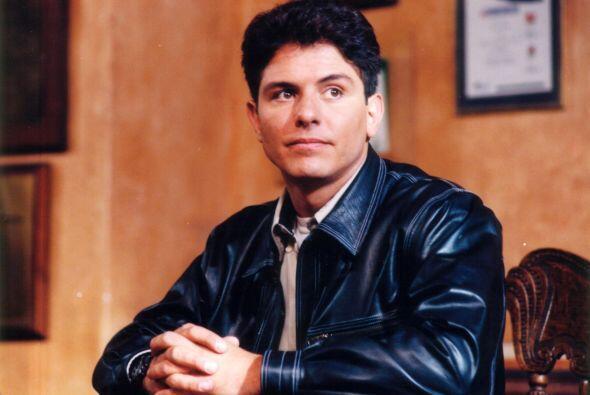 """También participó en el melodrama """"Lazos de Amor"""" en 1995 como """"Bernardo..."""