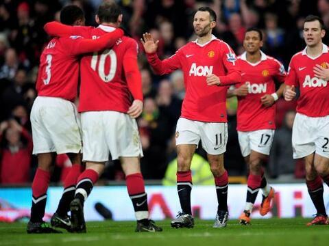 Manchester United destrozó al Birmingham 5 a 0 y se afianz&oacute...