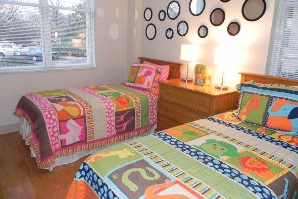 Una de las habitaciones tiene dos camas individuales. St. Jude cuida tod...