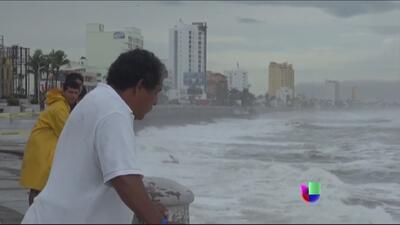 México en alerta por el huracán Odile