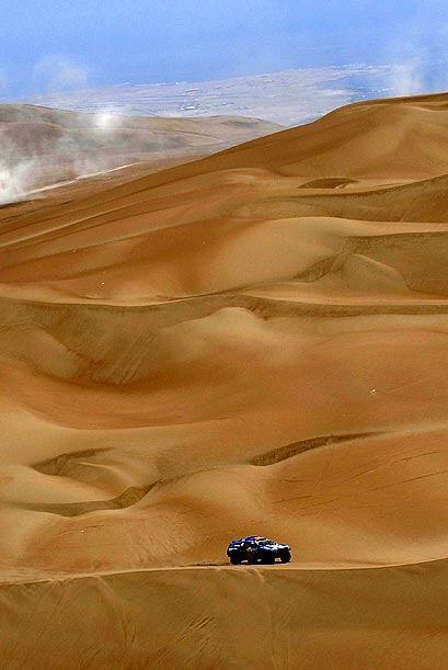 El príncipe qatari Al-Attiyah llegó en la segunda ubicación de esta etap...