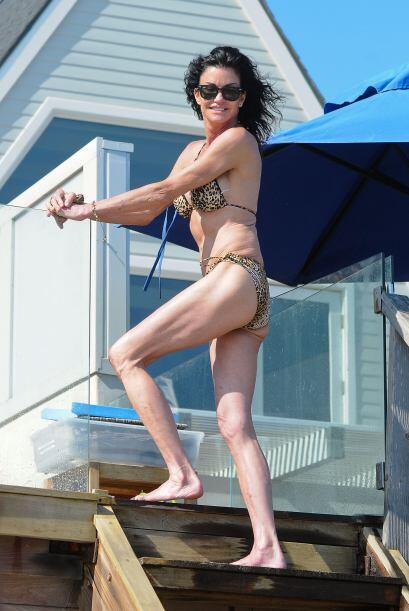 Janice Dickinson se siente sexy. Mira aquí los videos más chismosos.
