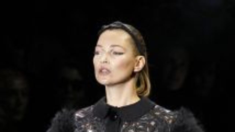 Kate Moss admitió que la persecución constante de los fotógrafos la ha p...