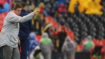 Miguel Herrera se despachó en contra del árbitro entre Querétaro y América