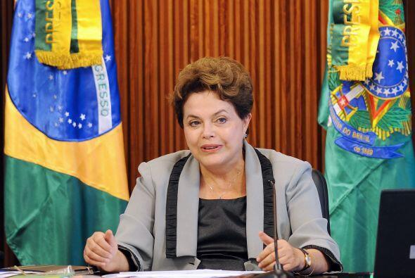 La encuesta se realizó a 2,000 brasileños en 141 municipios y su margen...