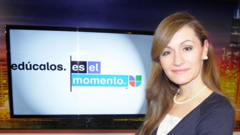 Paula Gómez es la reportera y productora del segmento de educación, Es E...