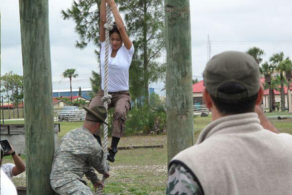 Los sargentos siempre estuvieron con ellas para evitar lesiones.