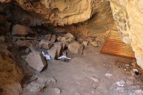 Las autoridades encontraron restos de comida y ropa que era utilizada po...