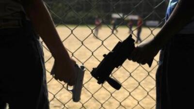 Los presos, fuertemente armados, son los violentos dueños y señores, y n...