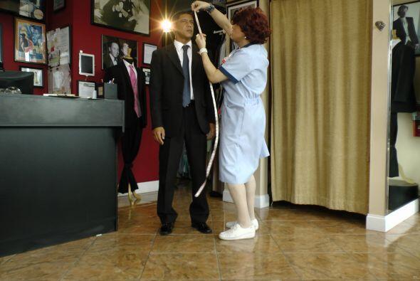 Más tarde, en una lujosa limusina, llegó Barack Obama.