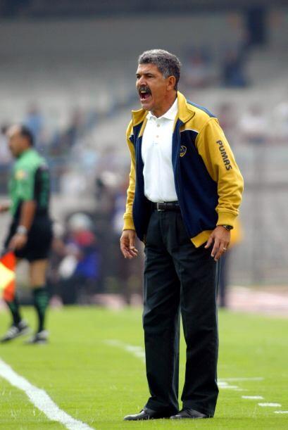 """El """"Tuca"""" tomó las riendas de Pumas desde 1991 hasta 1996 tras colgar lo..."""
