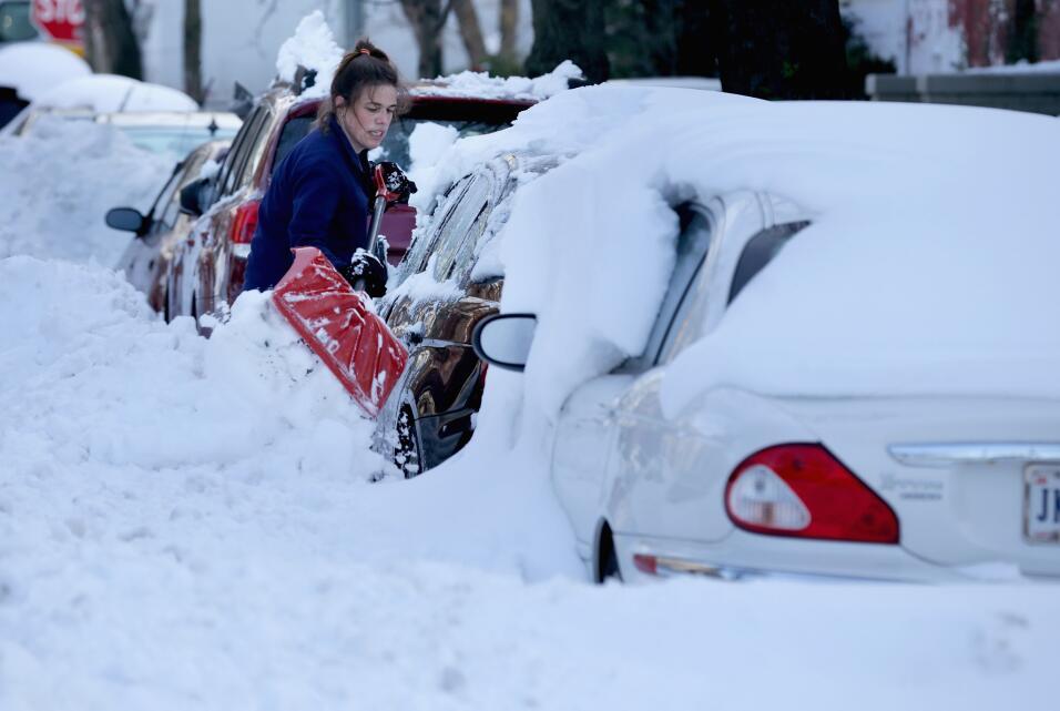 Consejos para manejar en nieve y hielo Boston MA February 2015.jpg