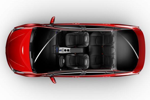 A su vez, está construido sobre la nueva plataforma TNGA (Toyota New Glo...
