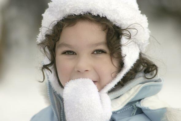 Elige mitones. Ponerles guantes a los niños pequeños puede...