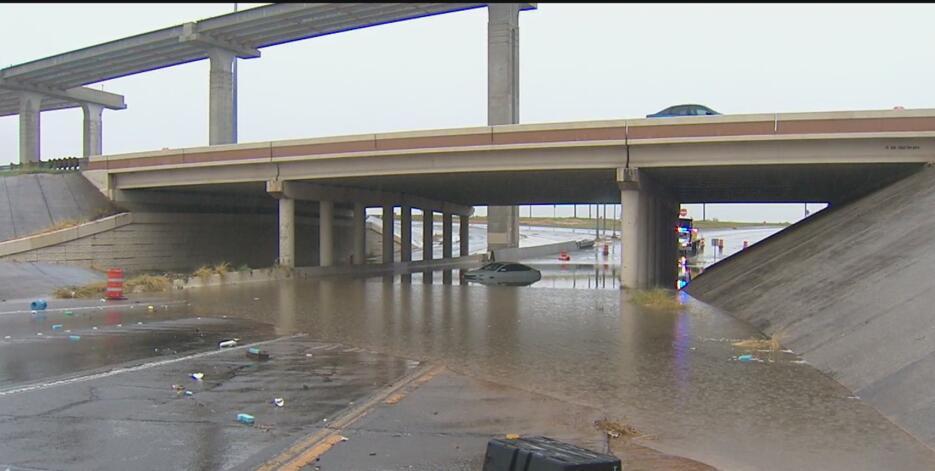 Residentes en el centro de Texas fueron evacuados debido a las lluvias D...