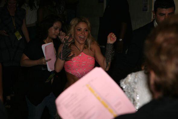 Shakira llegó directo del mundial al escenario de Premios Juventud.