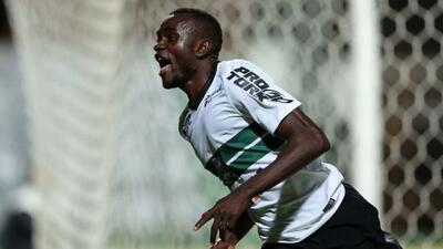 Joel fue la figura en la victoria del Coritiba sobre Sao Paulo