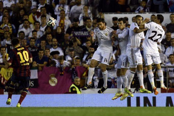 Ni siquiera de falta llevó peligro Messi. Solo tres veces tiró al arco y...