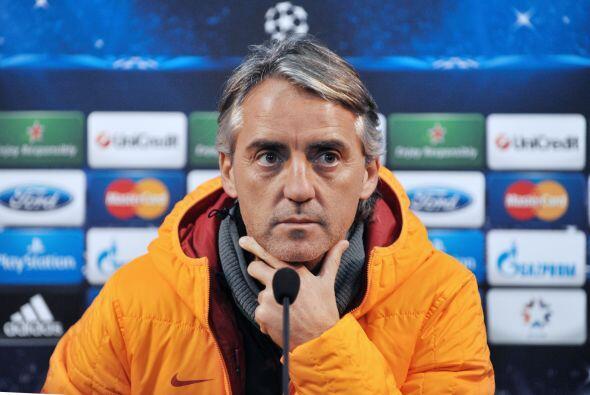 El técnico italiano del Galatasaray, Roberto Mancini, es tercero con 14...