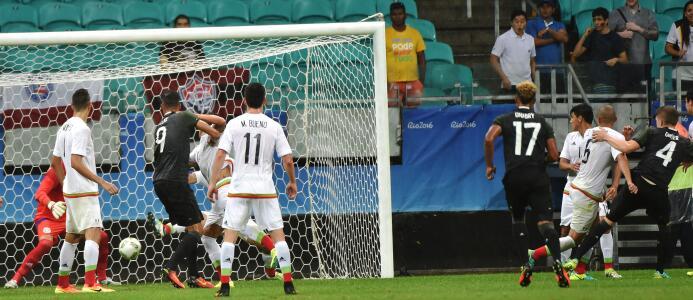 Vea las mejores imágenes del empate 2-2 entre México y Alemania. GettyIm...