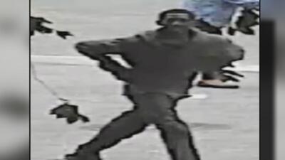 Autoridades le siguen la pista a un adolescente acusado de robar a un hombre en Central Park