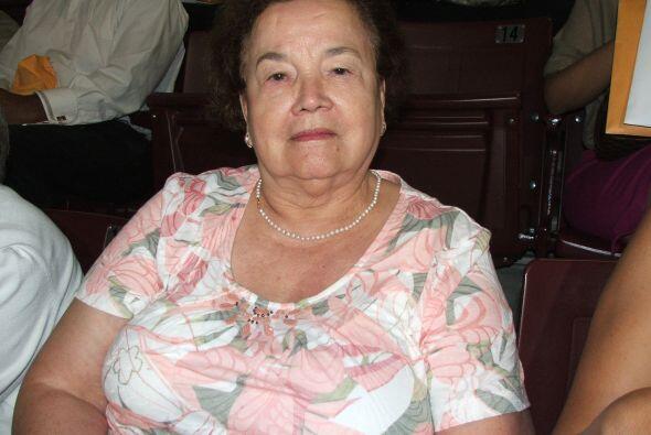 Alcira Herrera  Es colombiana y ama de casa. Ahora que se hizo ciudadana...