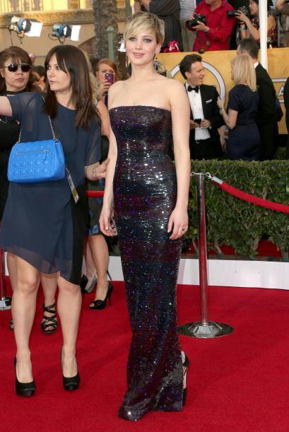 Muy sencillo el vestido de Jennifer Lawrence, pero lo que le dio un plus...