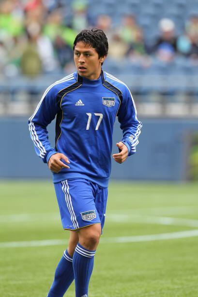 Roger Espinoza tiene doble nacionalidad, hondureño/americano, y es medio...
