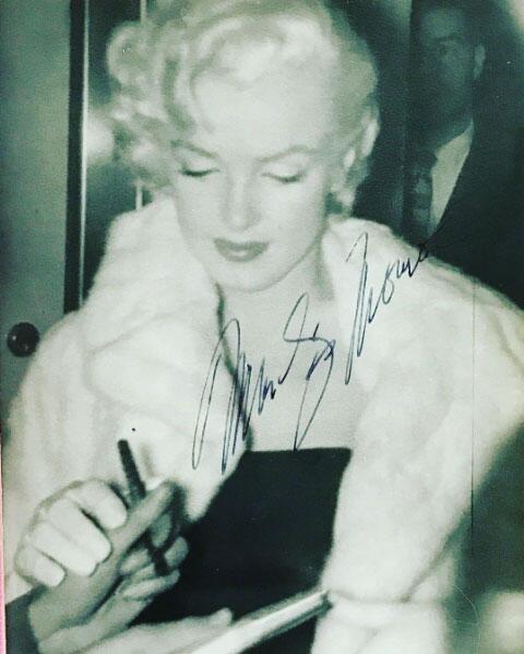 Thalía regalo Marilyn Monroe