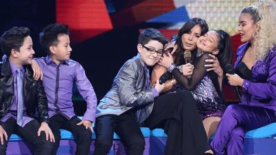 Los niños consolaron a Giselle porque estaba muy nerviosa por la elimina...