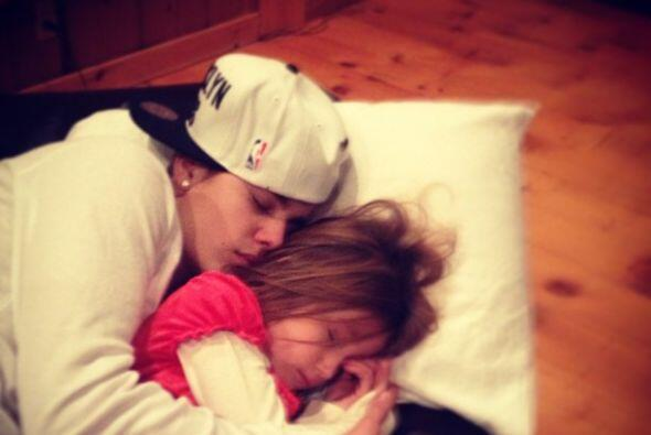"""""""Con mi amor""""-escribió Justin Bieber en  Instagram."""