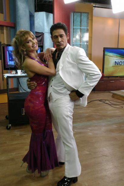 Sin duda esta pareja se llevó el premio como mejor pareja de baile. ¡Luc...