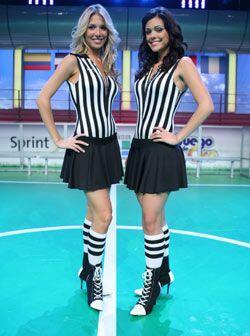 Alessandra (izq.) y Anabella son las dos Jueces de Línea en el Juego de...