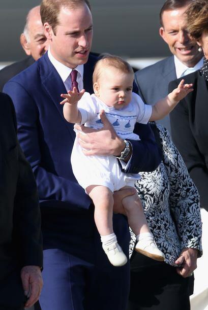 Político, padre y príncipe, ¡él es un hombre...