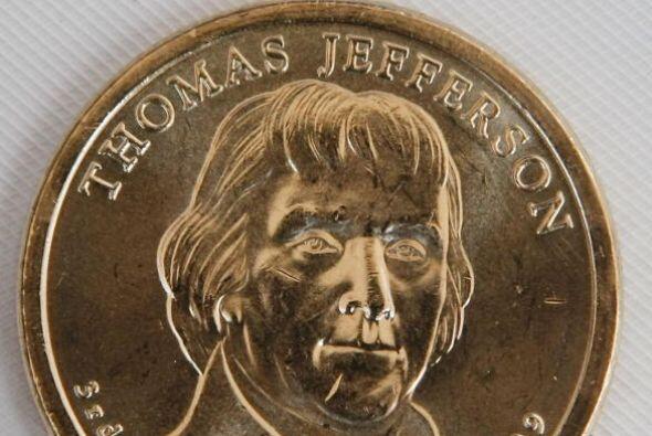 10. En 1807, Thomas Jefferson no sabía como hacer frente a la pir...