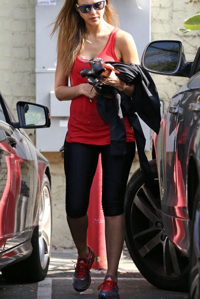 ¿Por qué creen que Jessica Alba tiene esas curvas? Pues nada menos que g...